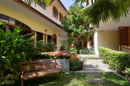 Exquisite Lanna Living in old city - Chiang Mai