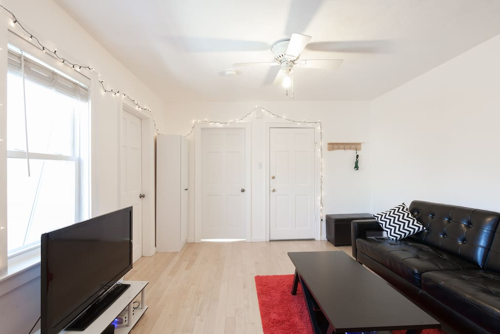 Location!! Downtown Near Waterfront