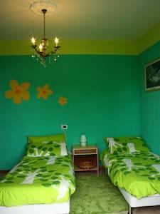 Appartamento colorato - Apartemen