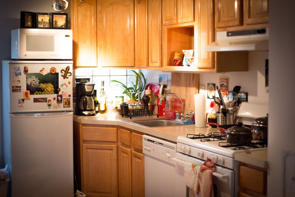 Sunny, eat-in kitchen. There's so much room to cook in this kitchen, which is stocked with everything you need.