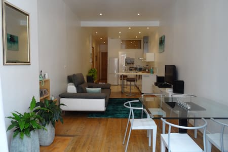 Chambre dans beau T2 + breakfast, Bordeaux centre - Apartment