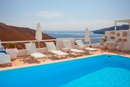 Tholaria Boutique Hotel, Astypalaia - Bed & Breakfast
