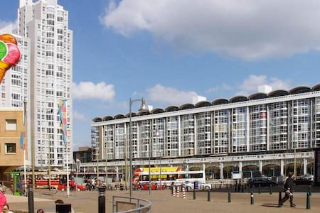 App at the beach incl.parking place - The Hague - Apartment