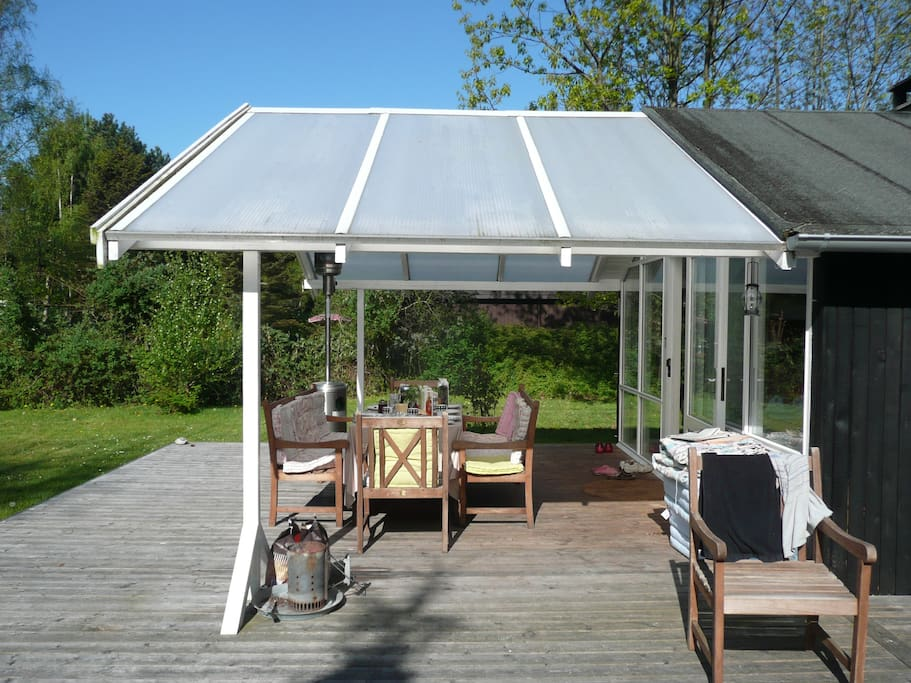 Lots of space in the shade and in protection from the rain and the sun