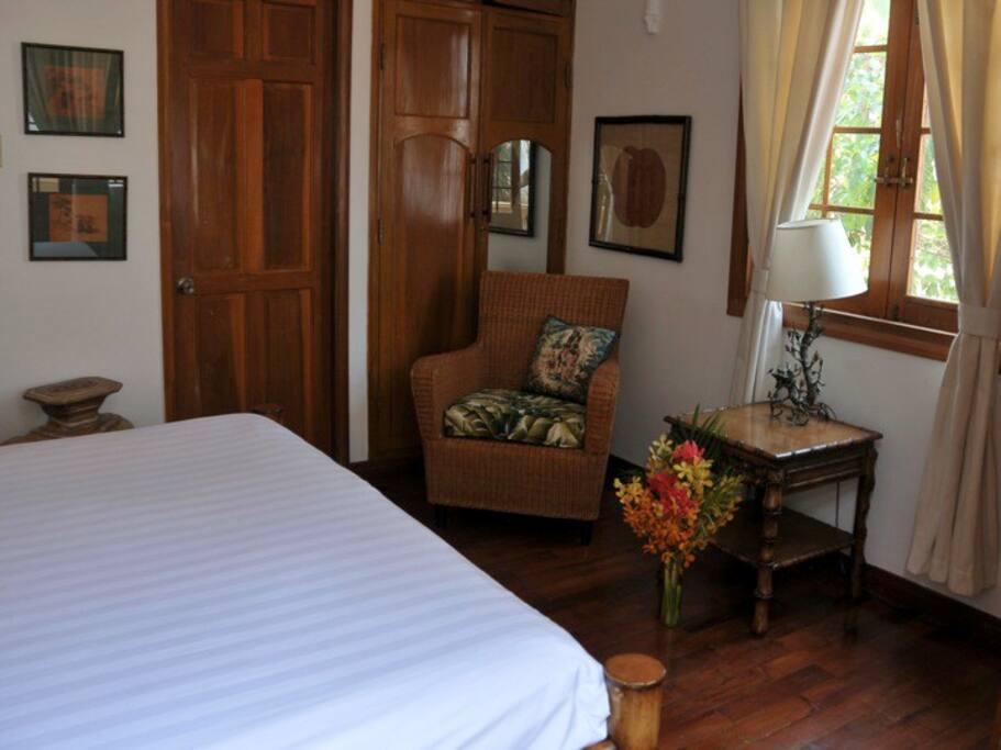 Private Villa w/pool 4 en suite bdr
