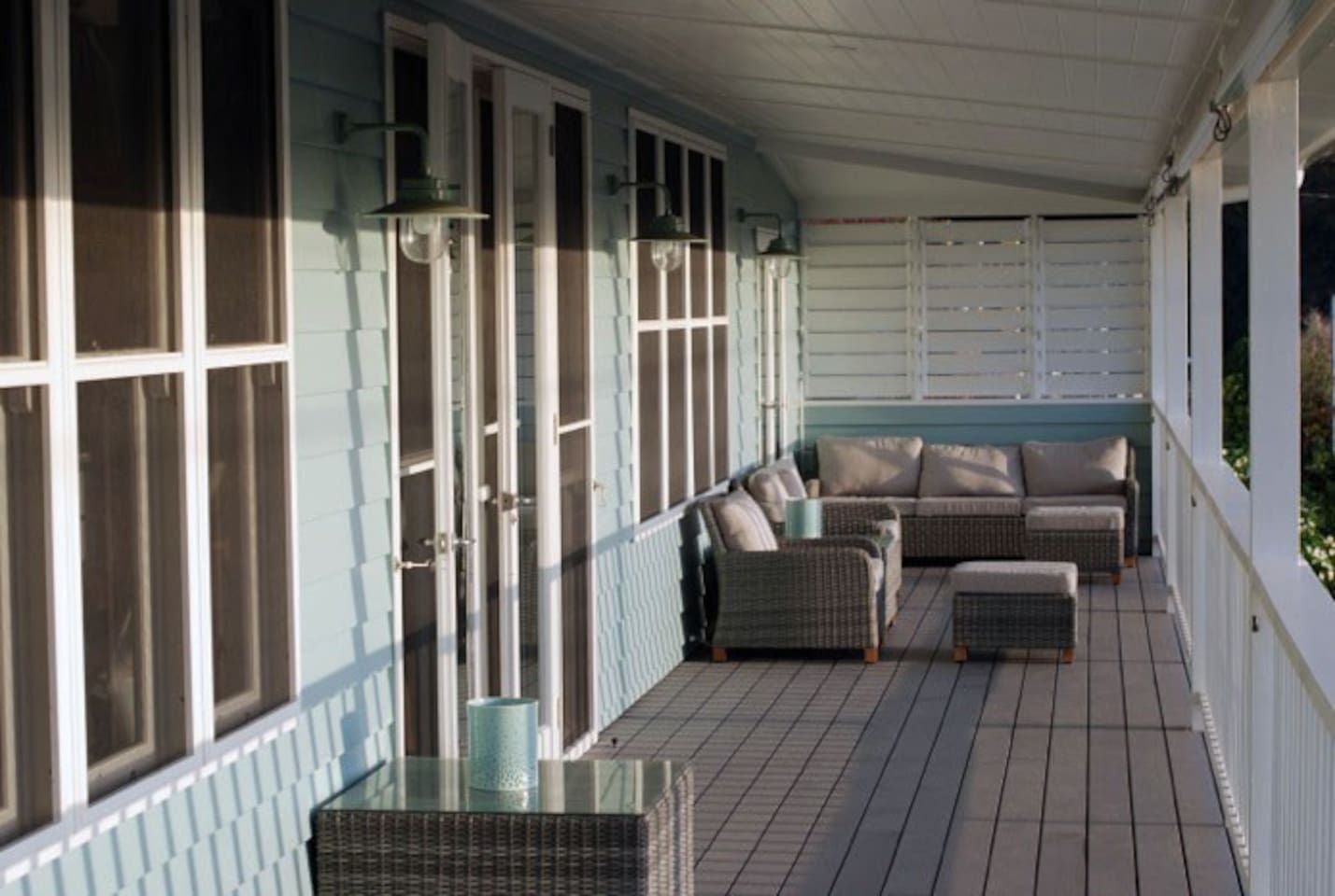 Bluebell's extensive western deck enjoys unmatched panoramic views of Wallis Lake and the hills beyond. Be blown away by the sunsets, occasional dolphin pod or sea eagle cruising on the Pacific Ocean breeze.
