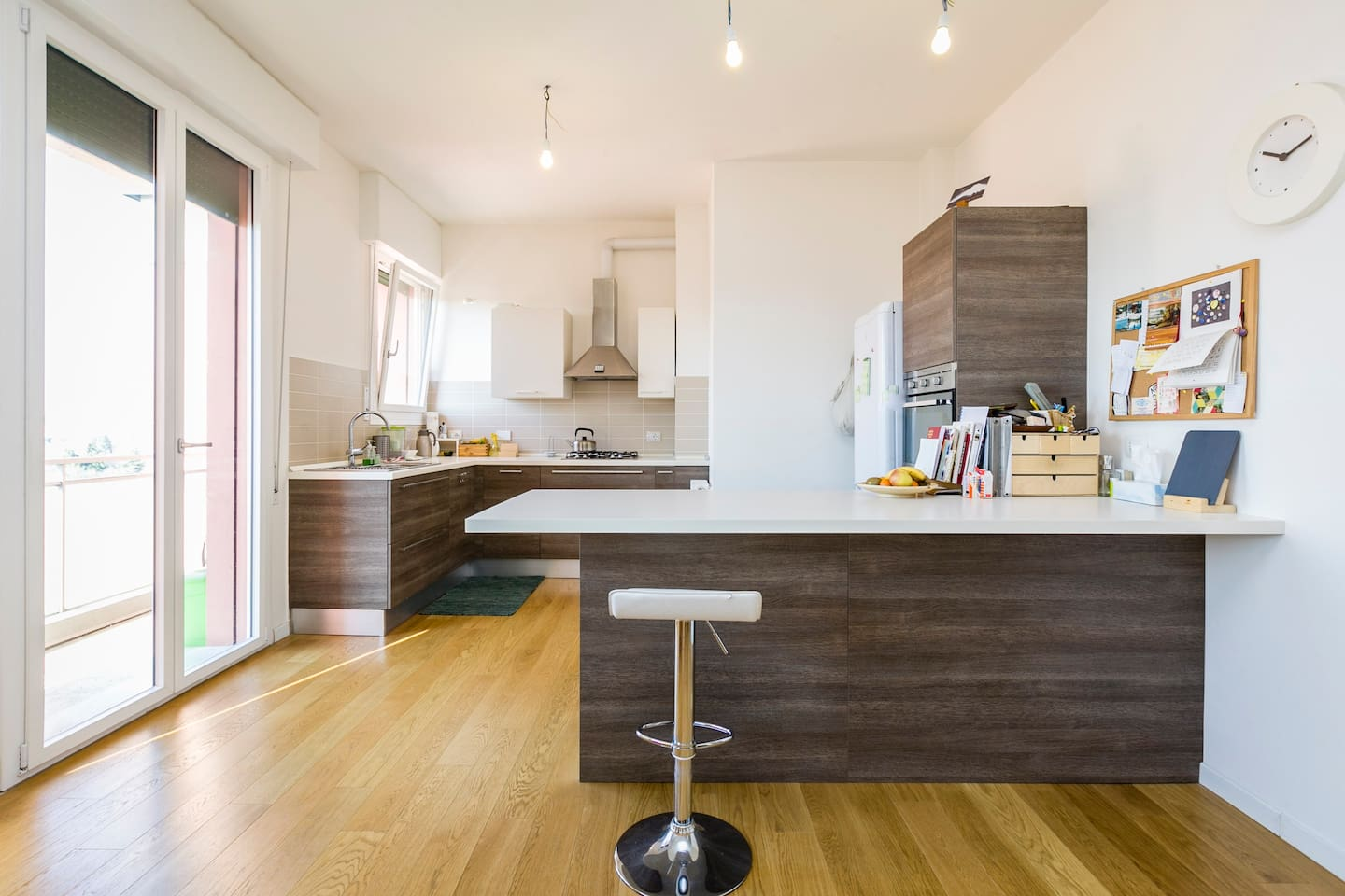 LARGE 25sqm OPEN SPACE KITCHEN/LIVING ROOM WITH BALCONY WITH VIEW