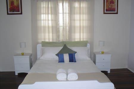 Innisfail Short Term Accommodation - Casa