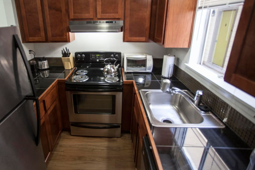 Entire apartment was gutted and refurbished last year. Dishwasher, blender, coffee grinder.