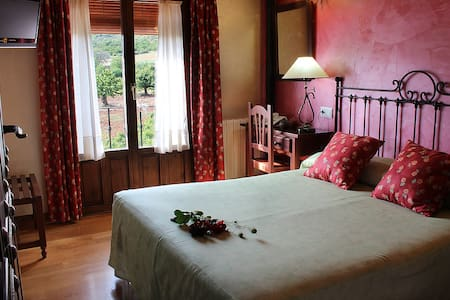 B&B,bath in Covarrubias,near Burgos - Bed & Breakfast