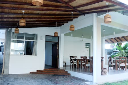 Hotel Blue Waves, Trincomalee - Trincomalee - Bed & Breakfast