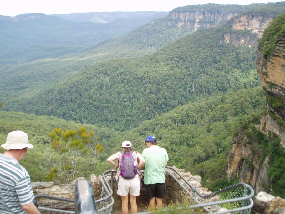views at Wentworth Falls - 10 mins drive