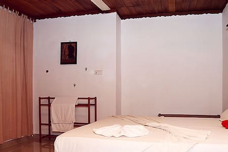 Double room with A C hot water - Odara hotel - Bed & Breakfast