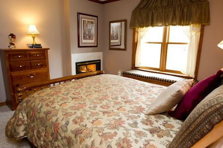 California Suite At Red Bud Cove - Hollister - Apartment