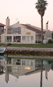 Waterfront Guesthouse Self Catering - Maison