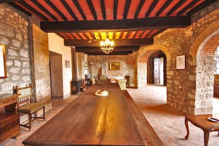 Appt Tuscany Castle 30 km Siena - Torniella - Apartment
