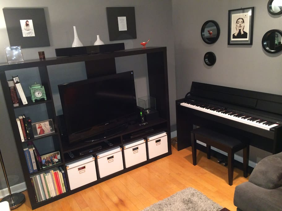 Cable, HBO, & Apple TV available.  Awesome Digital Piano (for those who play)...