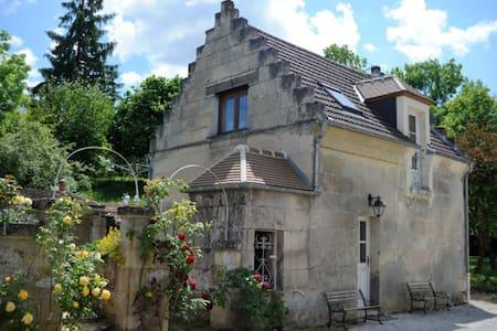 Les Hautes Pierres - Dům