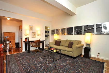 Spacious 1-BR near Grand Central