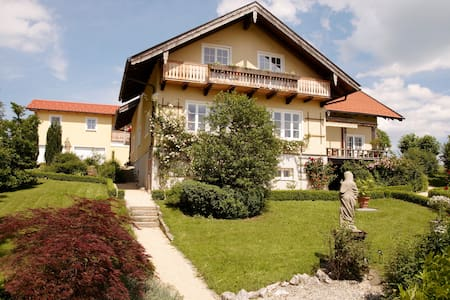 5 Star Apartment: Panormablick - Bad Endorf