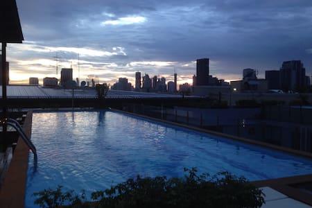 Ekkamai BTS 1BR quiet condo rooftop swimming pool - Bangkok - Wohnung