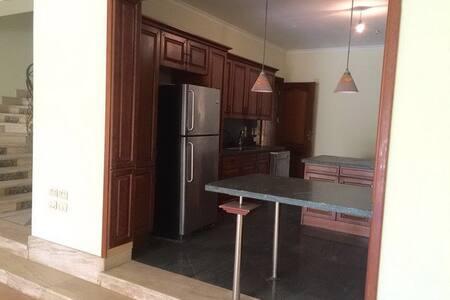Townhouse In Palm Hills 6th October - El-Basatin Sharkeya - Villa
