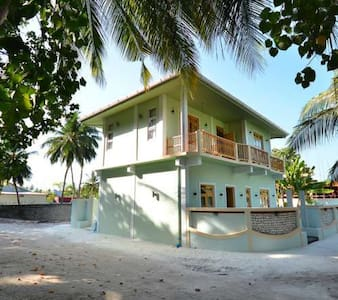 Athiri inn , Beach Residence - Eydhafushi - Bed & Breakfast