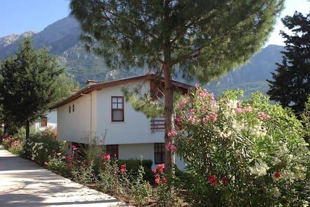Beycik mountain villa. Turkey. - Kemer - Vila