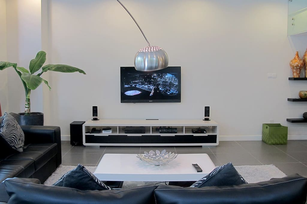 HD Cable TV, Home theater, HD internet TV