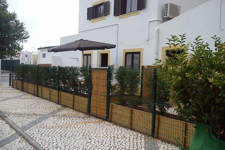 Casas férias Monte Gordo 1(Algarve) - Monte Gordo - House