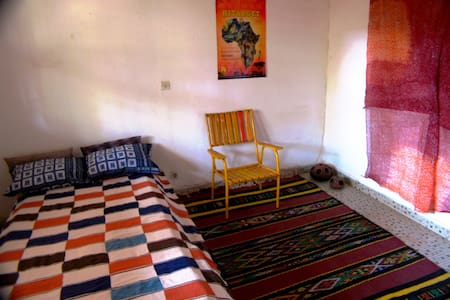 Ventilated double room - Bobo-Dioulasso - Huis