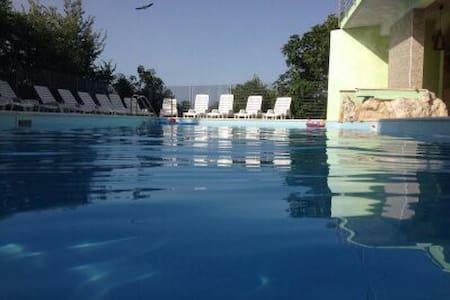 appartamento in agriturismo con piscina - Francolise