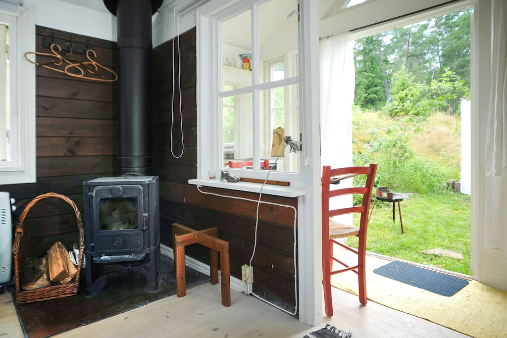 writers cabin next to host´s house, your own space