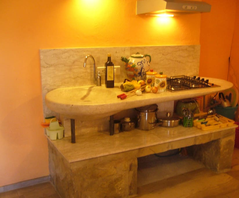 I Cuccioli apartment, kitchenette