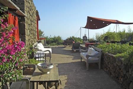 Pantelleria B&B Titta&Toto - Titta - Pantellaria