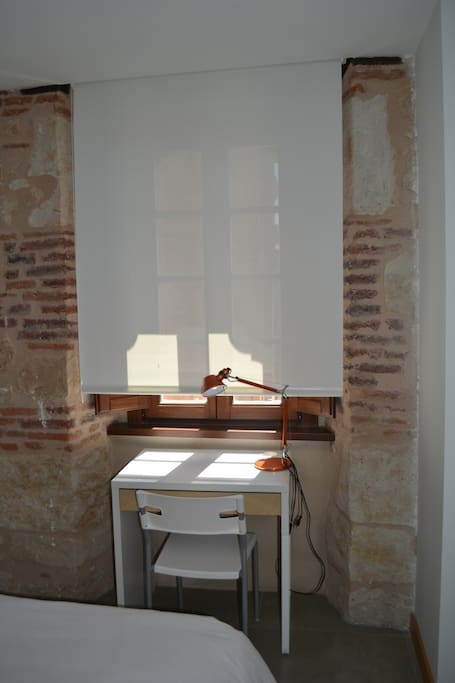 A little desk in the bedroom