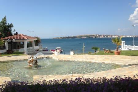 Istanbul Villa Oceanfront - Marmaraereğlisi