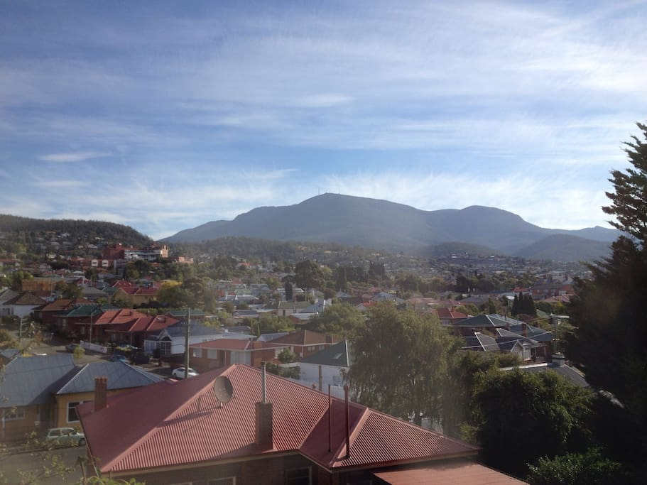 D Waking up to Mt Wellington View