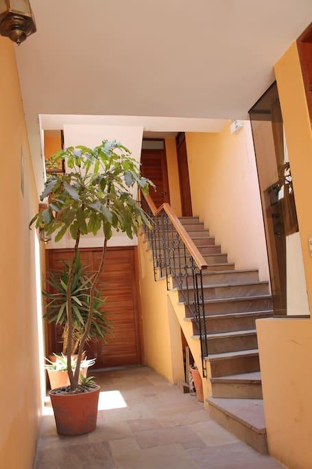 Habitacion comoda e independiente