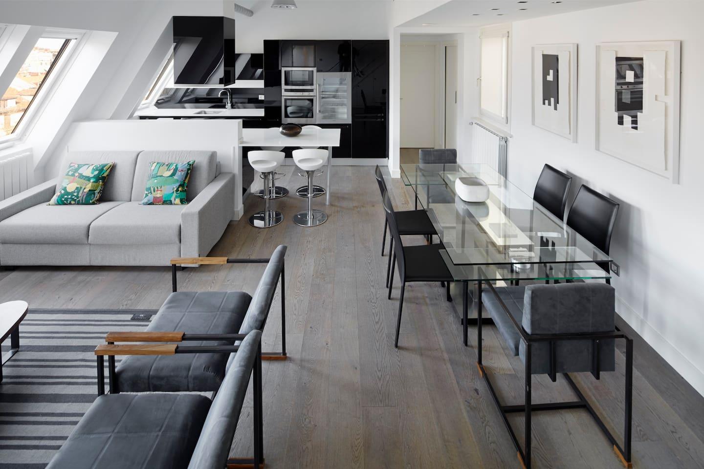 Boulevard Attic - Design, views