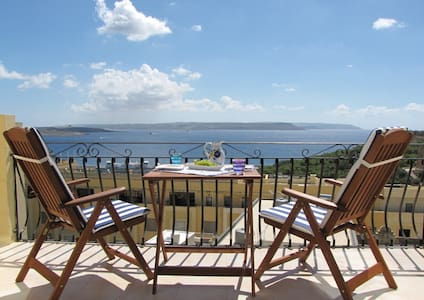 Romantic Sea View Penthouse + Pool - Byt