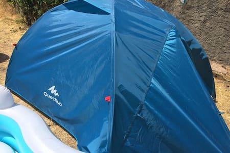 Tente vue sur la montagne - Tent