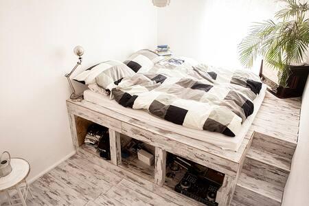 2 Room Apartment in Berlin Friedrichshain - Berlin - Apartment