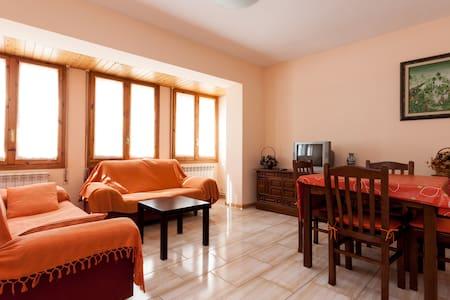 Apartment at Seira, Benasque Valley - Wohnung