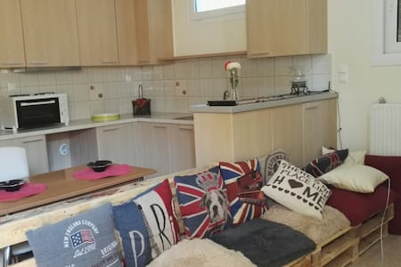 50 sq.m. one bedroom apartment, parking, wifi - Loutraki - Apartment