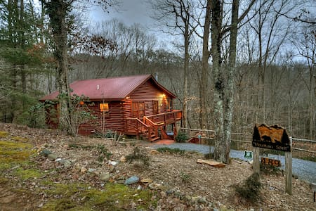 Mountain Spirit - Cozy Comfortable Cabin - 小屋