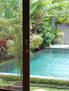 Yogi's Gem! Modern, POOL, Wifi, AC
