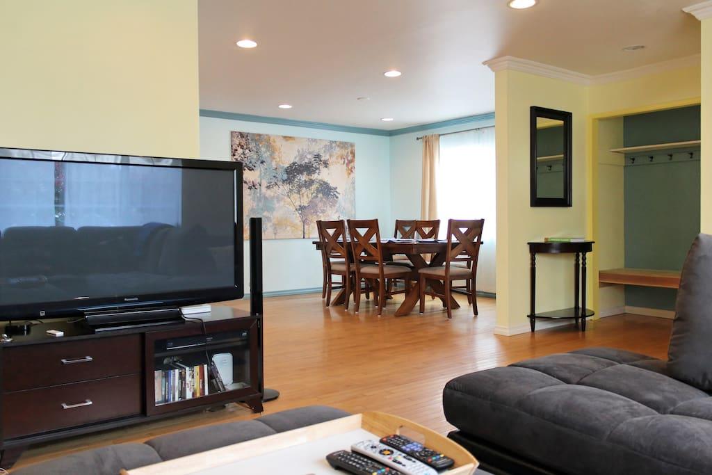 Large flatscreen TV with Cable, DVD/Blu-Ray, Apple TV, Netflix, Hulu, etc.