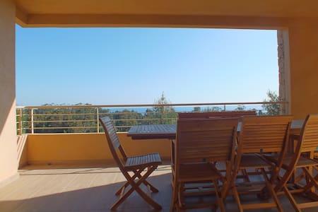 Appartement vue sur mer en Corse - Apartament
