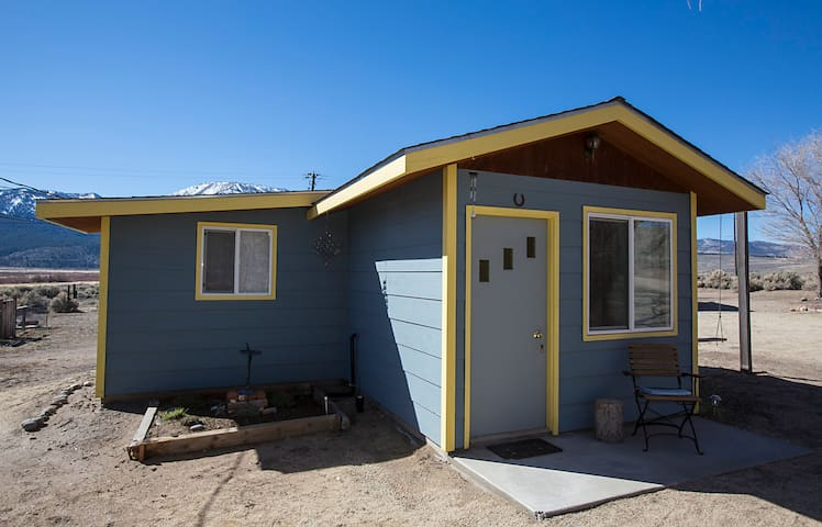 The cottage at quail haven cabins for rent in carson city for Cabin rentals in nevada